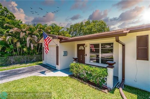 Photo of 4910 SW 29th Ter, Fort Lauderdale, FL 33312 (MLS # F10242302)