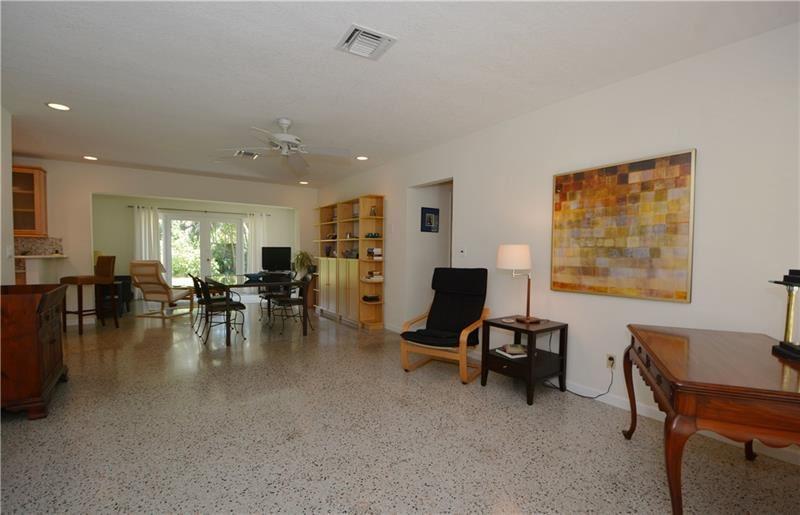 Photo of 325 NE 30th St, Wilton Manors, FL 33334 (MLS # F10280309)
