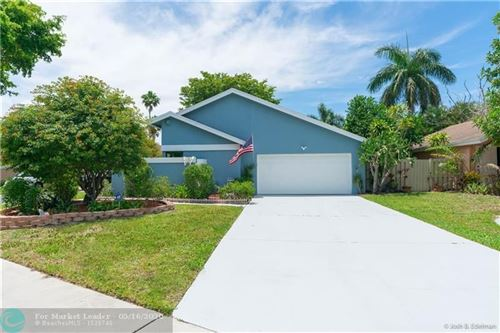 Photo of Listing MLS f10228310 in 940 Rainberry Lake Dr Delray Beach FL 33445