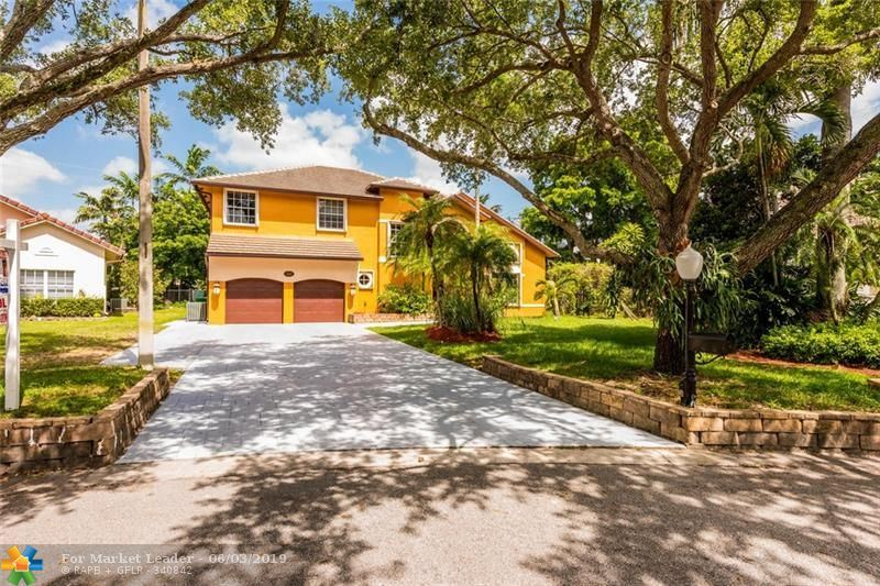 Photo for 3601 Starboard Ave, Cooper City, FL 33026 (MLS # F10178311)