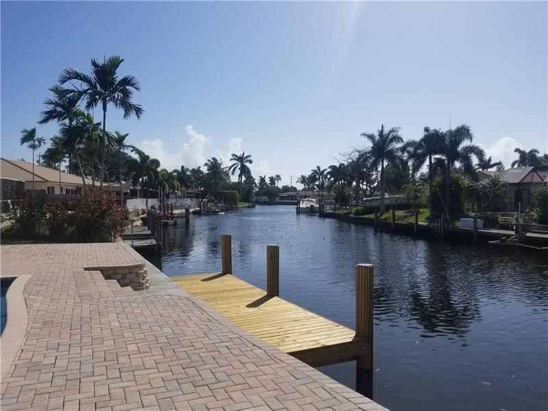 Photo of 1008 SE 10th Ct, Deerfield Beach, FL 33441 (MLS # F10271332)