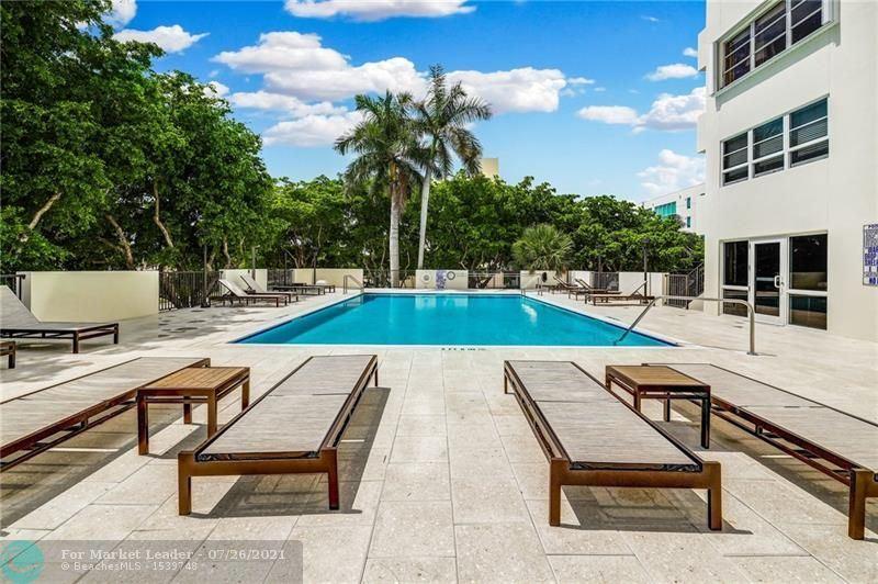 Photo of 340 E Sunset Dr #304, Fort Lauderdale, FL 33301 (MLS # F10294333)