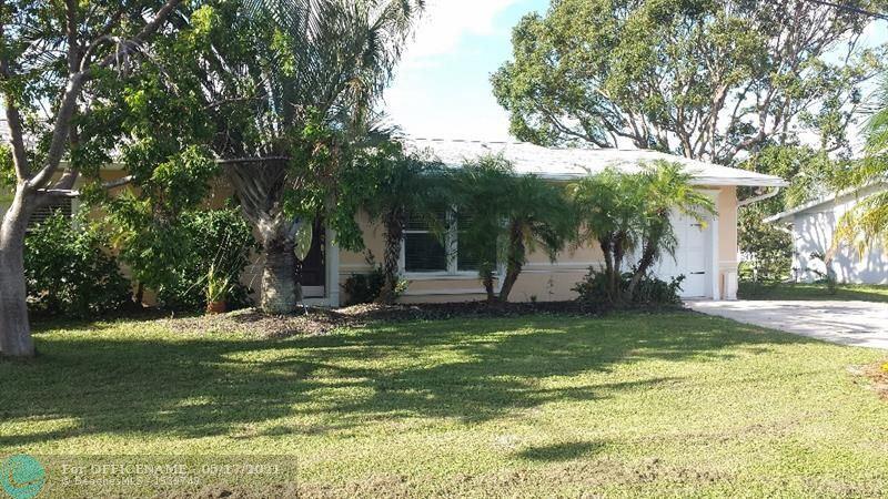 640 SE Degan Dr, Port Saint Lucie, FL 34983 - #: F10284334