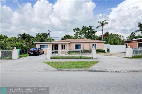 Photo of 14491 Lincoln Blvd, Miami, FL 33176 (MLS # F10284341)