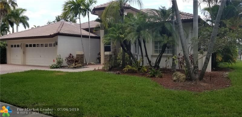 Photo for 8985 NW 39th St, Cooper City, FL 33024 (MLS # F10183343)