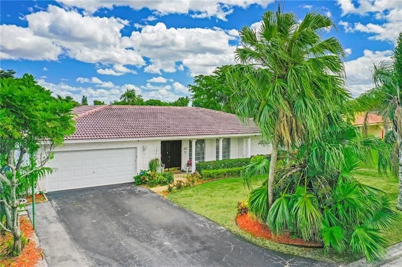 8635 NW 28th Dr, Coral Springs, FL 33065 - MLS#: F10278343