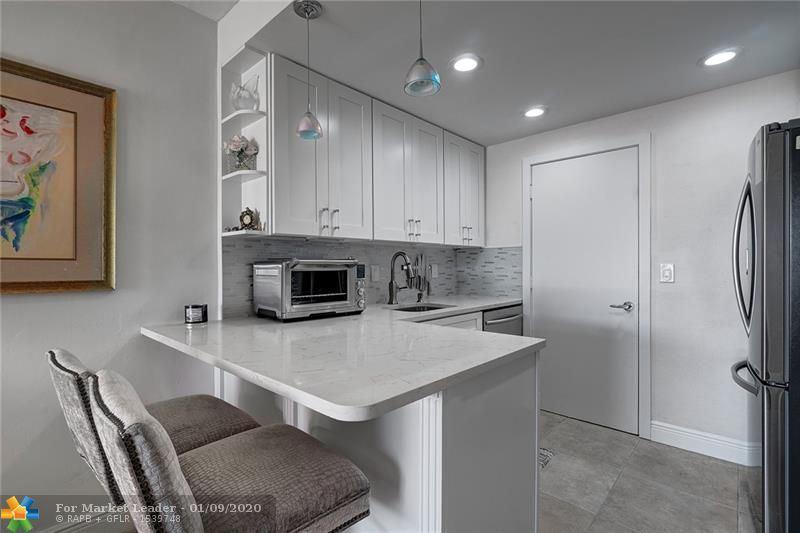 406 S Cypress Rd #325, Pompano Beach, FL 33060 - MLS#: F10210347