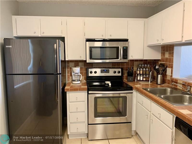 5541 W Lakeside Dr #202, Margate, FL 33063 - #: F10238347