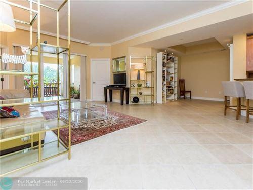 Foto de inmueble con direccion 16102 Emerald Estates Dr #317 Weston FL 33331 con MLS F10215353