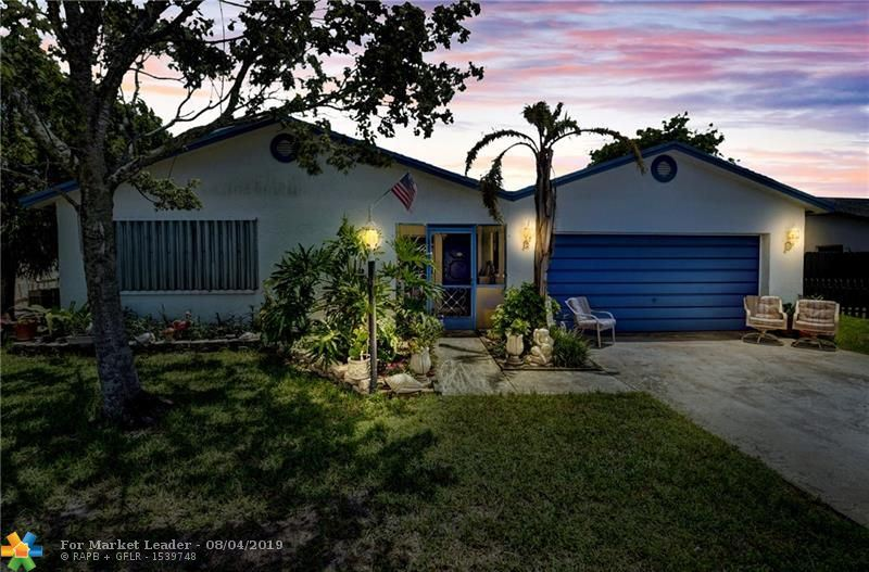 Photo of 9252 SW 18th Rd, Boca Raton, FL 33428 (MLS # F10187354)