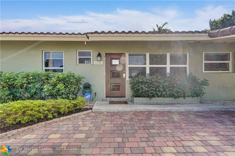 Photo 2 of Listing MLS f10217358 in 1538 Cleveland St Hollywood FL 33020