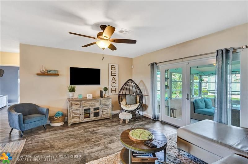 Photo 7 of Listing MLS f10217358 in 1538 Cleveland St Hollywood FL 33020