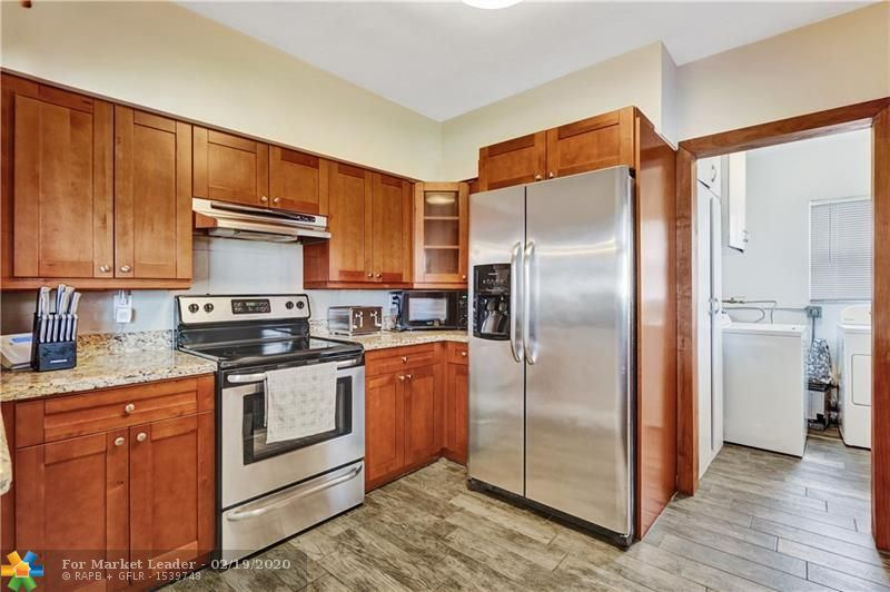 Photo 10 of Listing MLS f10217358 in 1538 Cleveland St Hollywood FL 33020