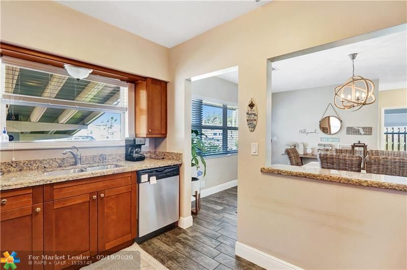 Photo 12 of Listing MLS f10217358 in 1538 Cleveland St Hollywood FL 33020