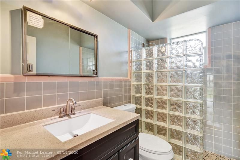 Photo 18 of Listing MLS f10217358 in 1538 Cleveland St Hollywood FL 33020