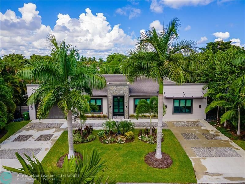 Photo of 2733 NE 25th Pl, Fort Lauderdale, FL 33305 (MLS # F10298361)