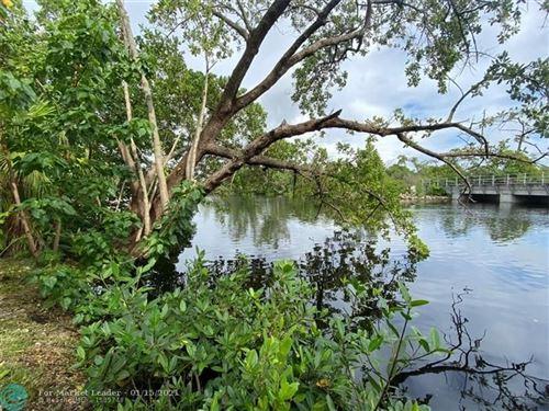 Photo of 1826 N Dixie Hwy #103, Fort Lauderdale, FL 33305 (MLS # F10259367)