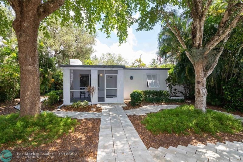 Photo of 1721 SW 13th Ct, Fort Lauderdale, FL 33312 (MLS # F10293380)