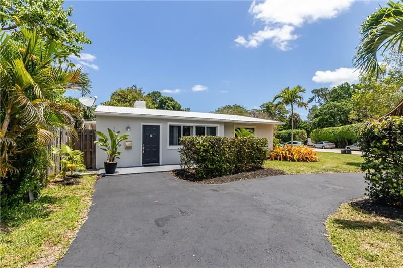 Photo of 1613 SW 13TH ST, Fort Lauderdale, FL 33312 (MLS # F10282384)