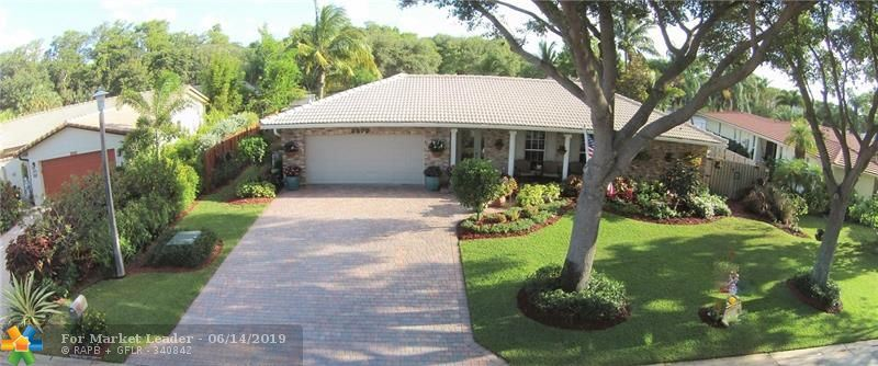 Photo for 8578 NW 7th St, Coral Springs, FL 33071 (MLS # F10180387)