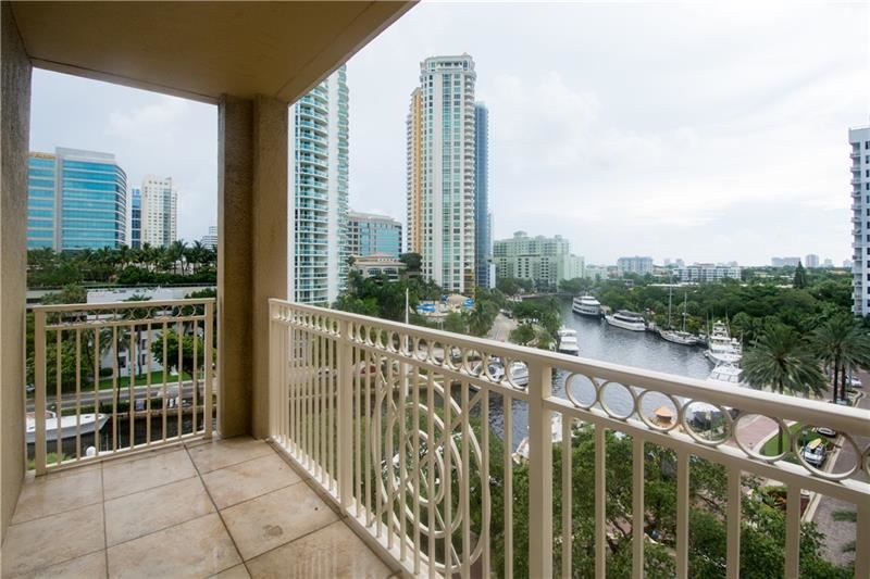 Photo of 511 SE 5TH AVE #717, Fort Lauderdale, FL 33301 (MLS # F10274388)