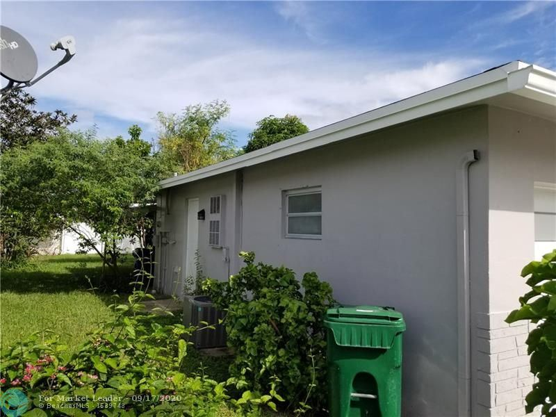 Photo of 1170 NW 72nd Ter, Margate, FL 33063 (MLS # F10249392)