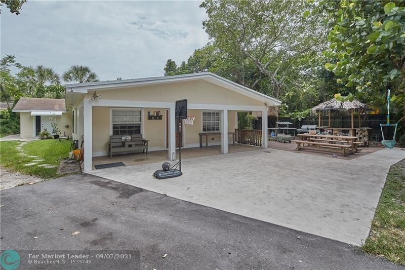 1648 SW 28th Ave, Fort Lauderdale, FL 33312 - #: F10296394