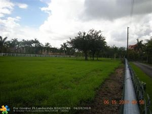 Foto de inmueble con direccion 13260 Stirling Rd Southwest Ranches FL 33330 con MLS F10118401