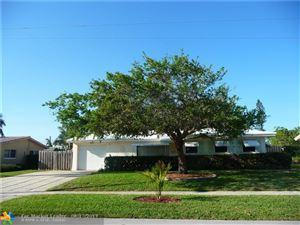 Photo of 829 SE 16th Ct, Deerfield Beach, FL 33441 (MLS # F10166402)