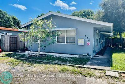 Photo of 754 NE 40th St, Oakland Park, FL 33334 (MLS # F10305403)