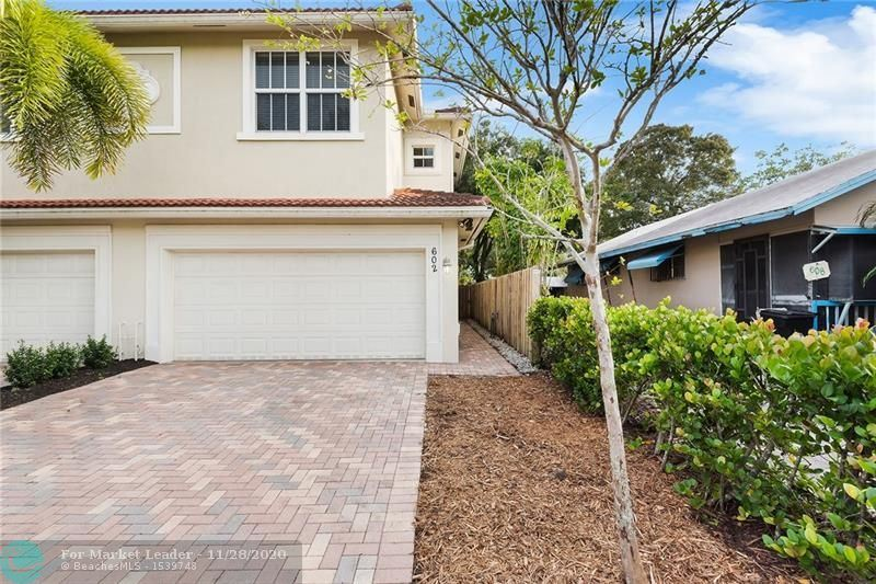 Photo of 602 SW 8th St, Fort Lauderdale, FL 33315 (MLS # F10260404)
