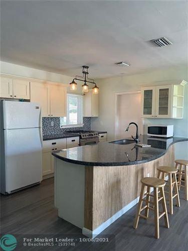 Photo of 815 S Arnold Ave, Lantana, FL 33462 (MLS # F10303406)