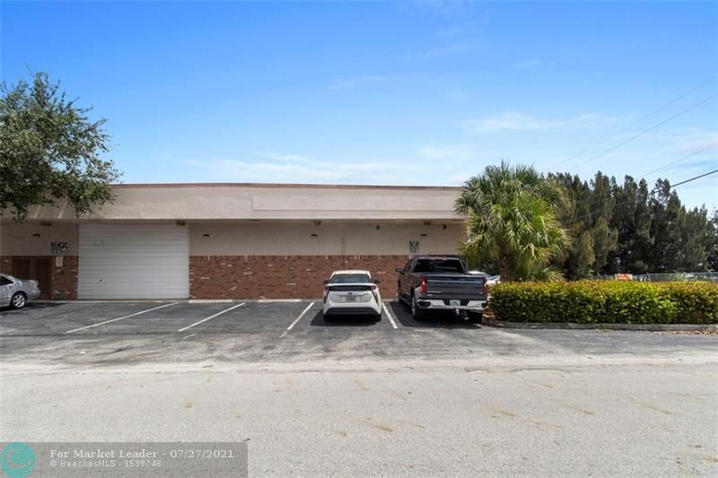 Photo of 5101 NW 10th Terrace, Fort Lauderdale, FL 33309 (MLS # F10294415)