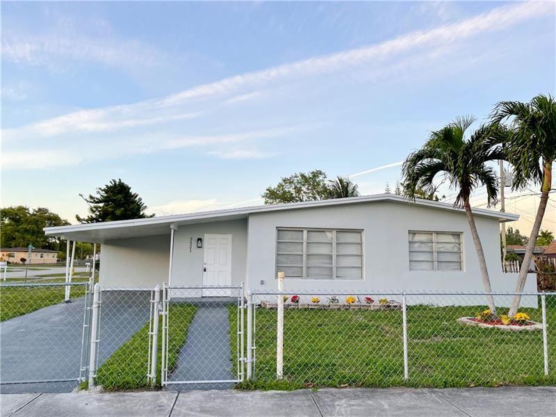 3521 SW 41st Ave, West Park, FL 33023 - MLS#: F10275417