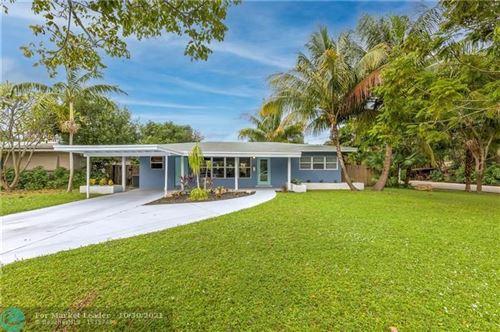 Photo of 833 NE 17th Ct, Fort Lauderdale, FL 33305 (MLS # F10300419)