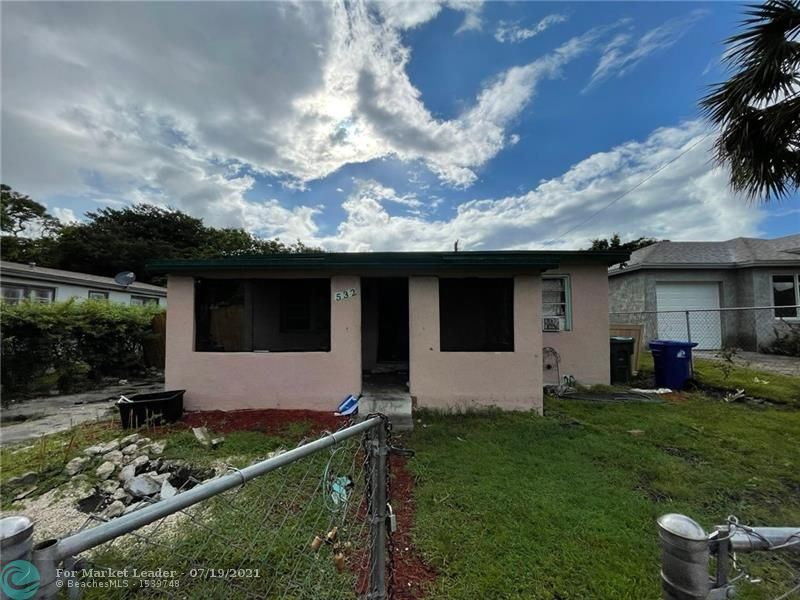 Photo of 532 NW 15th Ter, Fort Lauderdale, FL 33311 (MLS # F10293422)