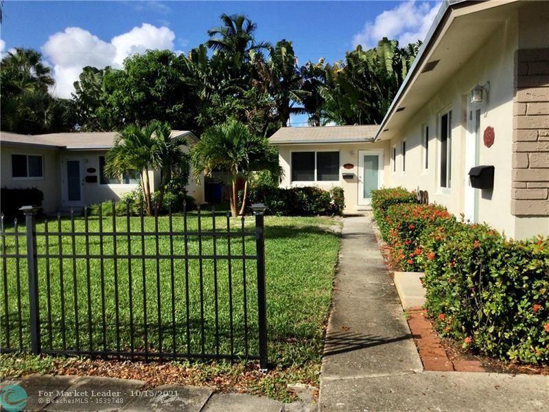 Photo of 813 NE 16th St, Fort Lauderdale, FL 33304 (MLS # F10304432)