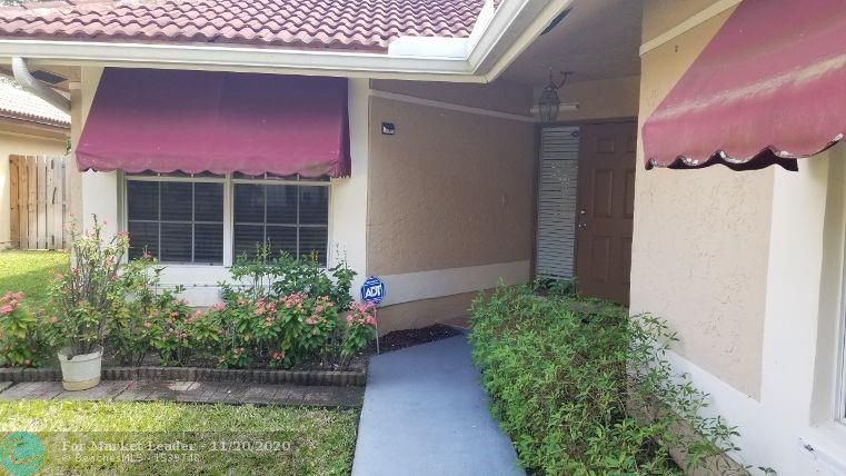 Photo of 1011 NW 104 Way, Coral Springs, FL 33071-5671 (MLS # F10259434)