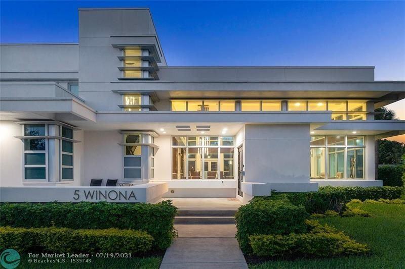 Photo of 5 Winona Ln, Sea Ranch Lakes, FL 33308 (MLS # F10293434)