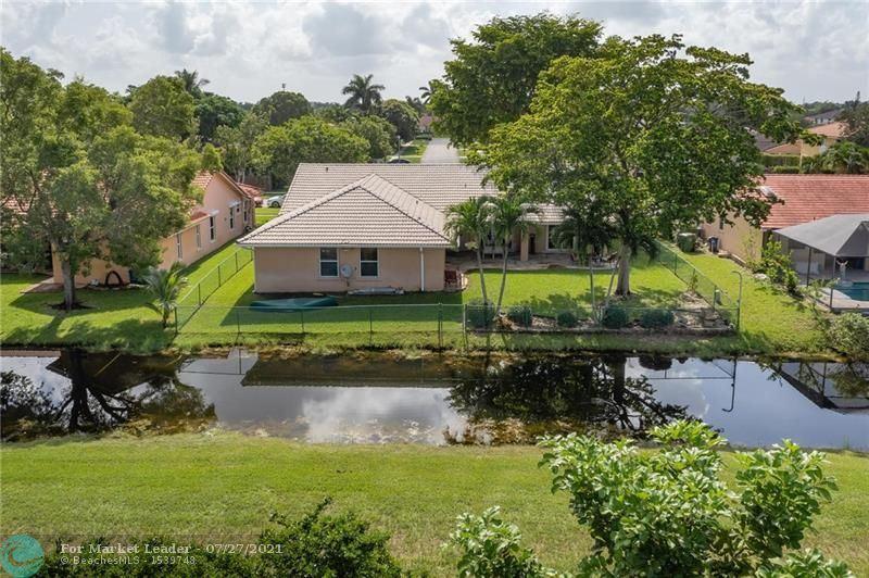 Photo of 499 SW 169th Ter, Weston, FL 33326 (MLS # F10294439)