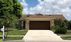 Photo of Listing MLS f10198441 in 1314 Thornbank Ln Royal Palm Beach FL 33411