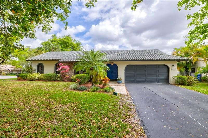 2591 NW 87th Dr, Coral Springs, FL 33065 - #: F10273441