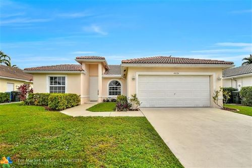 Photo of 4426 NW 20th Ave, Oakland Park, FL 33309 (MLS # F10204447)