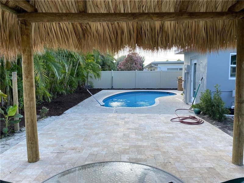 Photo of 812 SE 16th St, Deerfield Beach, FL 33441 (MLS # F10271448)