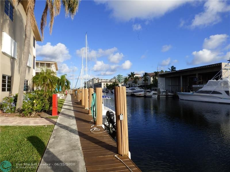 Photo of 1510 SE 15th St #304, Fort Lauderdale, FL 33316 (MLS # F10235452)