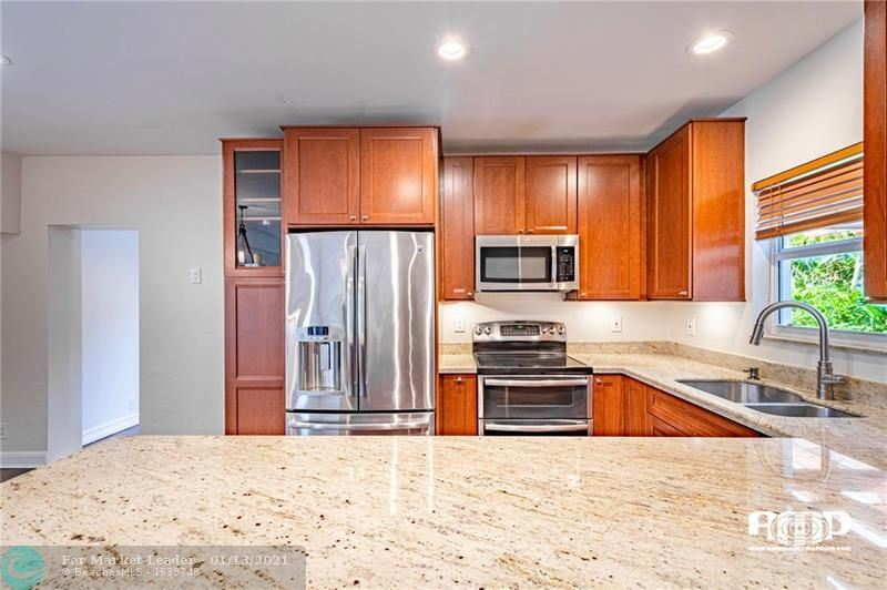 Photo of 401 NW 21st Ct, Wilton Manors, FL 33311 (MLS # F10249452)