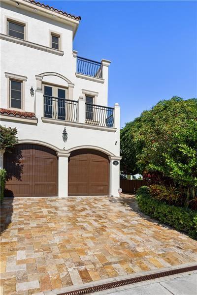 Photo of 103 Hendricks Isle #103, Fort Lauderdale, FL 33301 (MLS # F10280453)