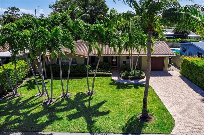 Photo of 2000 NE 26th Dr, Wilton Manors, FL 33306 (MLS # F10275458)