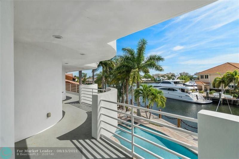 Photo of 632 3rd Key Dr, Fort Lauderdale, FL 33304 (MLS # F10283461)