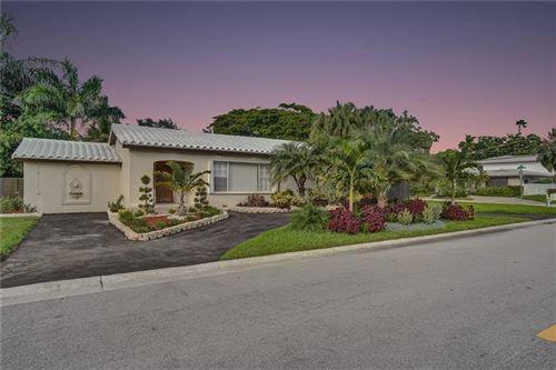Photo of 1101 N Northlake Dr, Hollywood, FL 33019 (MLS # F10257463)